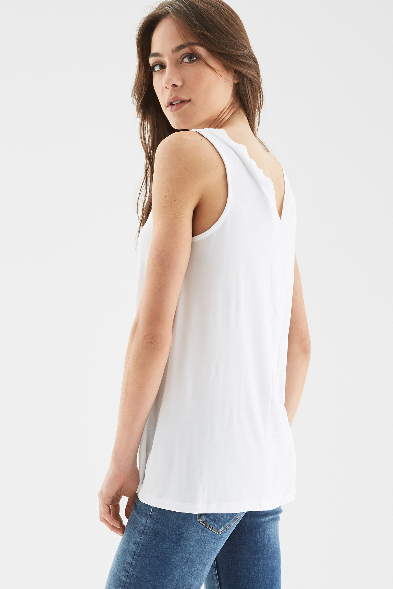 T-Shirt White Casual Woman